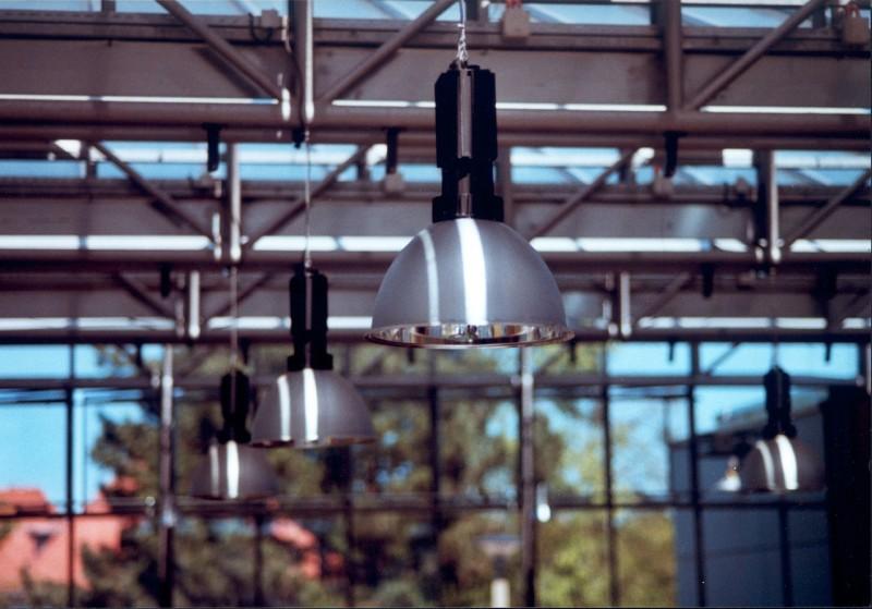 Stilfulde loftlamper fra danske designere til lave priser