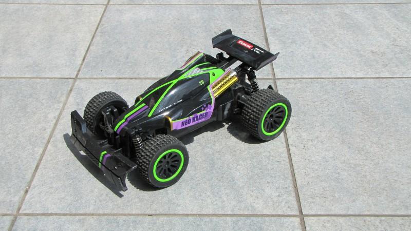 Find en monsterfed RC bil til dit barn - eller til dig selv